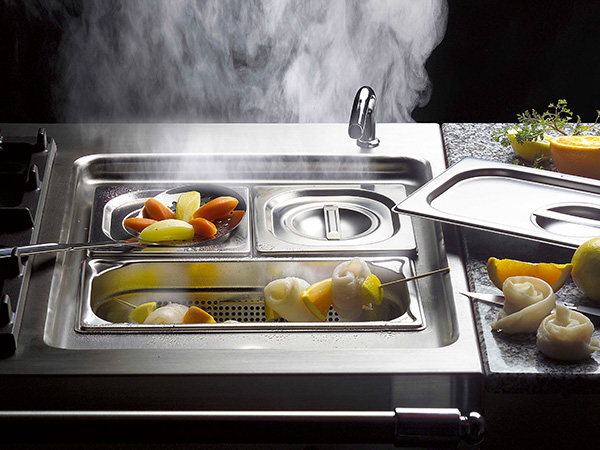multi-cooker-steaming
