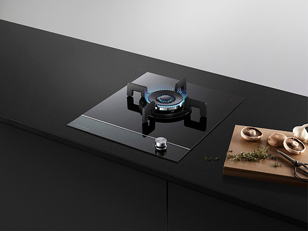 Fisher & Paykel Gas on glass hob
